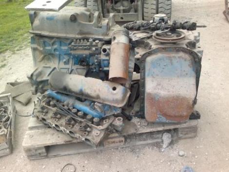 motor alkatrészek Ford traktorhoz fotó