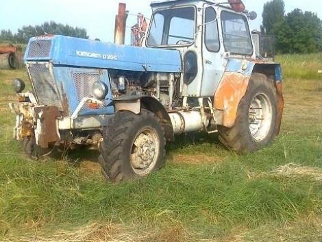 ZT303 traktor bontott alkatrészei eladók fotó