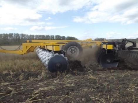 Új-Könnyű vontatott, V tárcsa eladó, 65-95 LE-s traktorokhoz, tárcsa! fotó