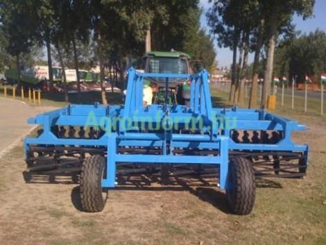 GRUBBER! 4 m-es, vontatott szántóföldi kultivátor tárcsasorral + rögtörővel! fotó