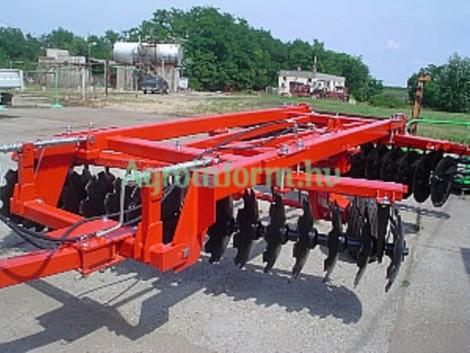 Középnehéz vontatott tárcsa pálcás rögtörő hengerrel eladó! fotó