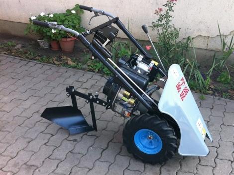 MF 70 Diesel szántó EKÉVEL Szántó egy tengelyes Traktor eladó fotó