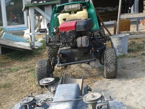 Castelgarden fűnyíró traktor eladó fotó
