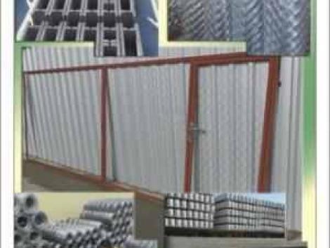 Drótfonat Vadkerítés Vadháló Drótháló Betonoszlop Kerítés Építés Szögesdrót Kerítésoszlop fotó