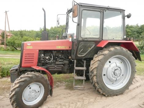Mtz 820 traktor fotó
