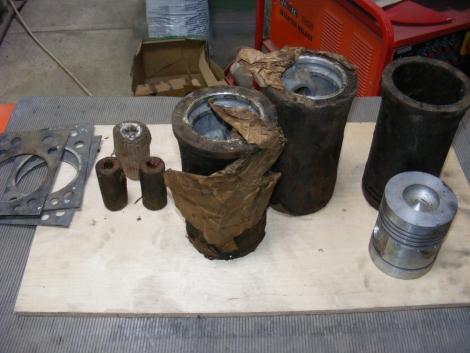 Zetor 3011 Hüvely dugó garnitúra Gyári fotó
