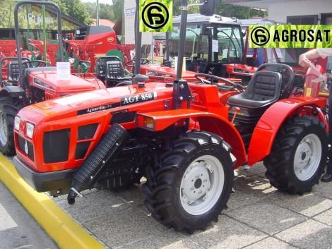 AGT 850 NR kis traktor . Agromehanika 50LE keskeny traktora az Agrosat Gépkertől fotó