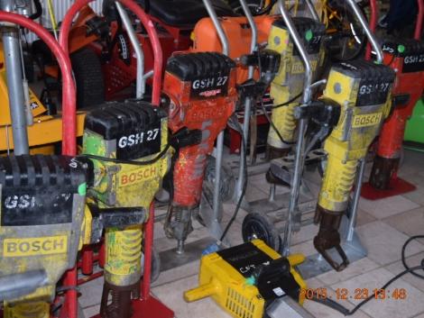 Építőipari gépek Wacker Ammann Bosch Dewalt fotó