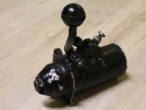 DT-75 lánctalpas dózer kismotor önindító fotó