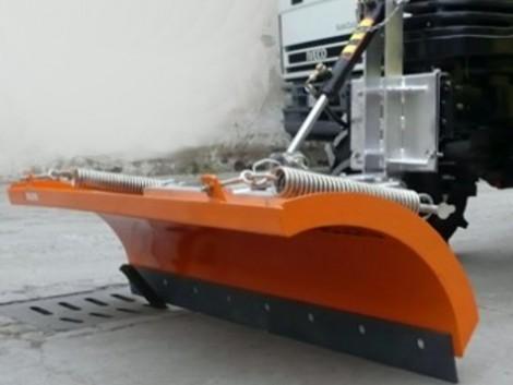 Hótolólap , 150cm széles . Tolólap kis traktorra rudós pajzs. fotó