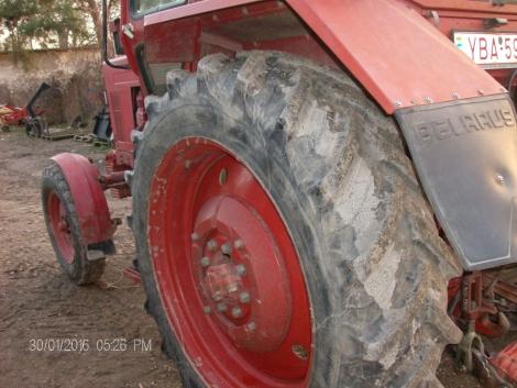 MTZ 80 Piros rendszámos oldalváltós belső lámpás fotó