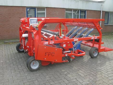 Ferrari FPC Ültető- és fóliafektető gép fotó