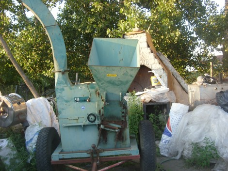Traktorhajtású ágdaráló, faaprító fotó