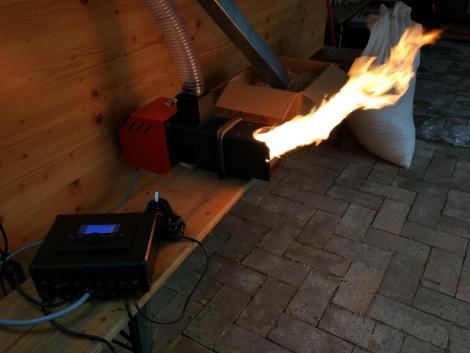 Automata pellet égőfej, tisztítóval fotó