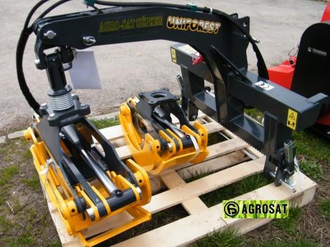 SCORPION 1300 F rönk húzó , traktorra , homlokrakódóra szerelhető . fotó