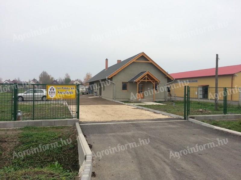 594d67f43bc0 SZESZFŐZDE + TELEPHELY eladó Jász-Nagykun-Szolnok megyében Lejárt hirdetés