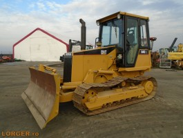 Caterpillar D4C XL dózer