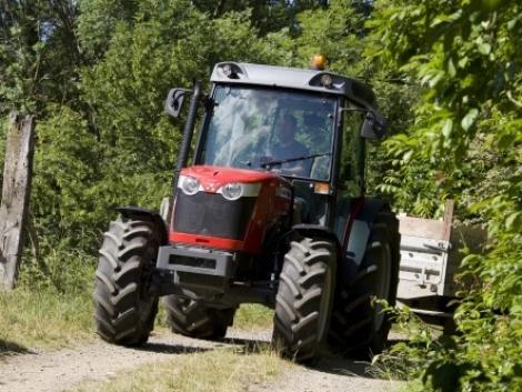 Minden új MF traktor, kombájn félártól elérhető 0% kamattal! (+Video)