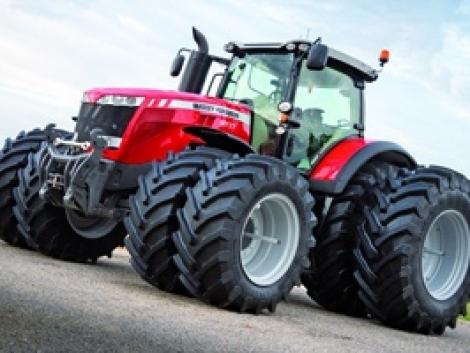 Massey Ferguson újdonságok az AGROmash EXPO-n: 400 és 100 LE-s traktorok, és hibrid kombájn!