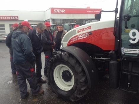 Kilenc traktorból álló Steyr flottát adott át az Agroker Pannónia Kft. (+Videó!)