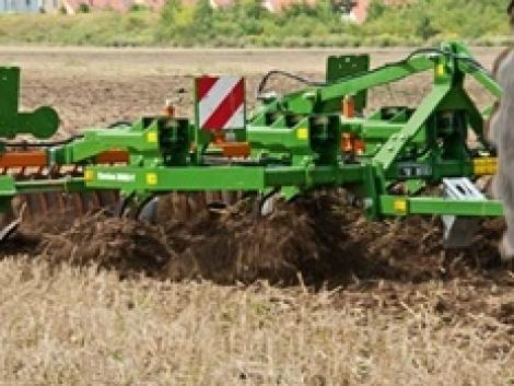 Nyári talajművelő gépek az AMAZONE kínálatában