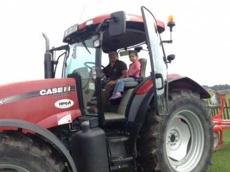 Meghívó az Invest Kft. gépbemutatójára a Gudmon Farmra! (Képekkel!)