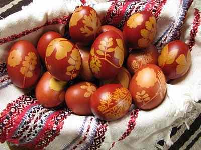 berzselt vagy batikolt tojások