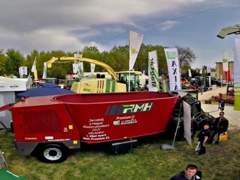 Megújult RMH etetőkocsi, a profi tejelő szarvasmarha tartók igényeihez mérten (+Videó!)