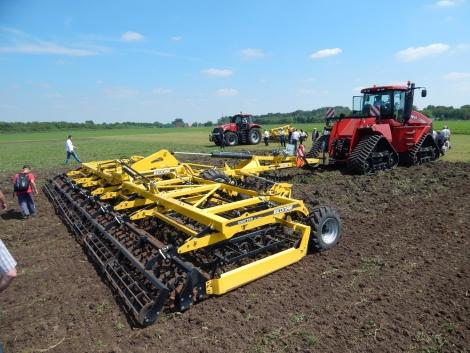 Több ezer lóerő az Agro-Békés Gépshow-ján