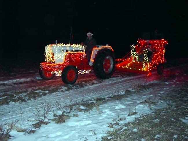Mikulás szán traktorral