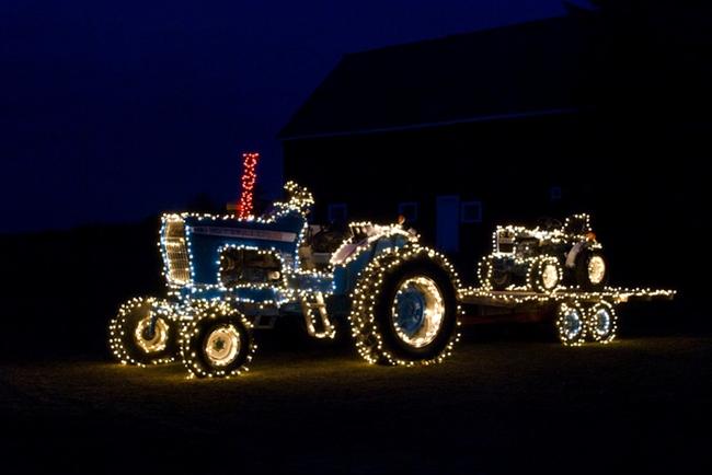 karácsonyi fények Fordson traktoron