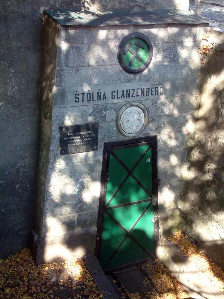 Selmecbánya, a legrégebbi táró ma már nem használt bejárata