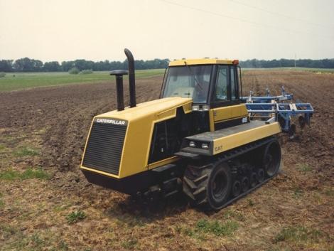 Egykor – és most: Klasszikus CAT Challenger traktorok a szántóföldön (+Videó!)