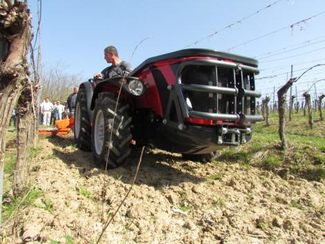 Agrolánc Kft.: Antonio Carraro traktorok gyakorlati bemutatója