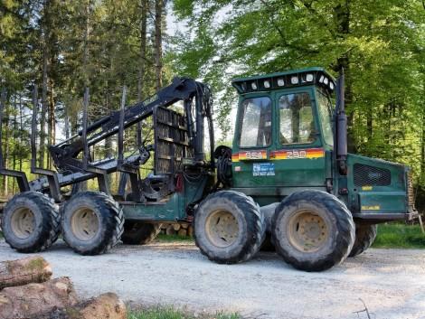 Új traktor 2,5 millióval olcsóbban, – vagy egy használt Forwarder kellene?