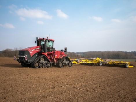Agro-Békés megmérettetés: Case IH nagytraktorok és az egyrotoros kombájn próbája