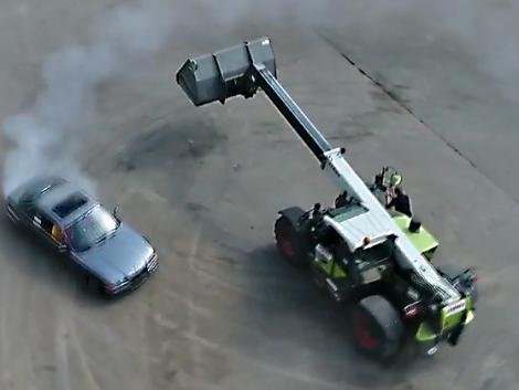 Ilyen őrült driftautós programot még nem látott (+Videó)