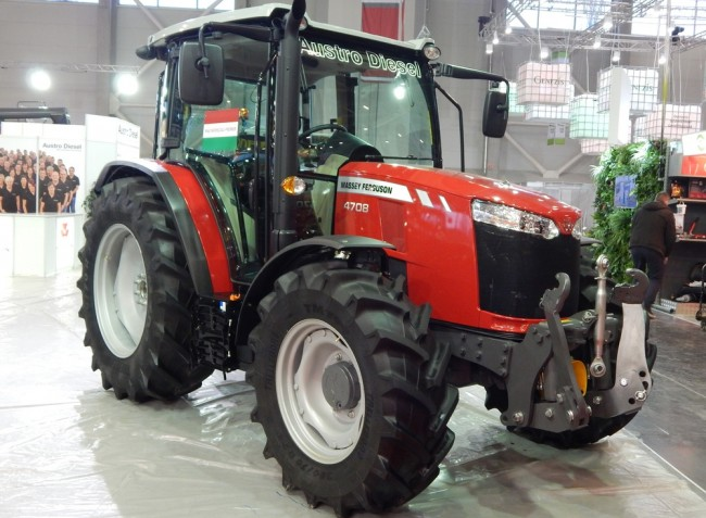 Elstartolt az AGROmashEXPO, traktorújdonságok áradata a kiállításon!