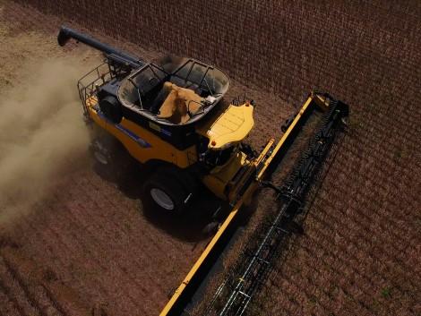 Világrekorder New Holland kombájn: közel 440 tonna szója nyolc óra alatt (+Videó)