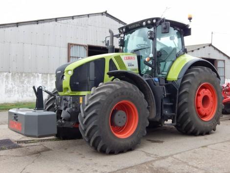 Íme egy traktor 330 lóerővel és 50 literrel kevesebb fogyasztással