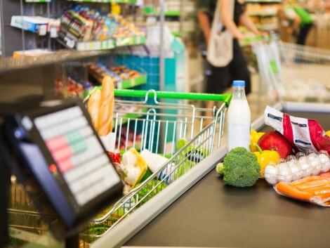 Még mindig zúdulnak ránk az olcsó termékek az EU-n kívülről – és hatalmas károkat okoznak