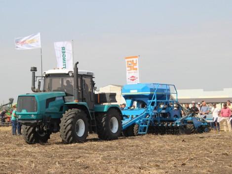 Az új HTZ traktor már a gyakorlatban is bizonyított