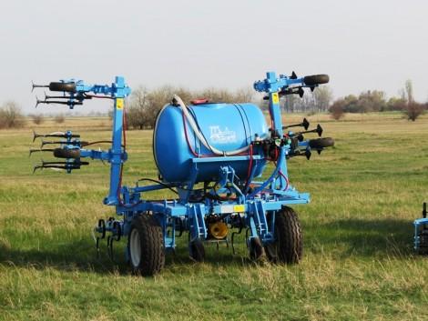 Ilyen az OMIKRON folyékony műtrágyaszórós kultivátor a gazdák szerint (+Videó és Képek!)
