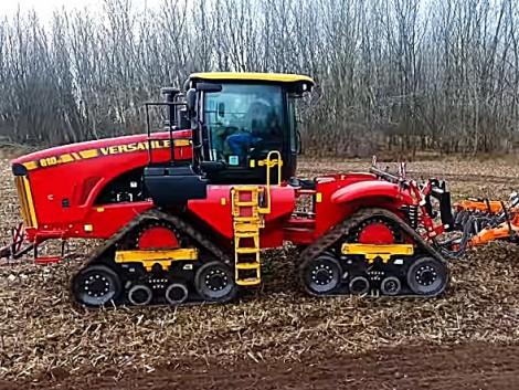 Traktorpremier! Kanadából jöttem, mesterségem címere 650 LE és négy gumiheveder (+Videó!)