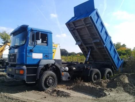 Billenős teherautók minden mennyiségben