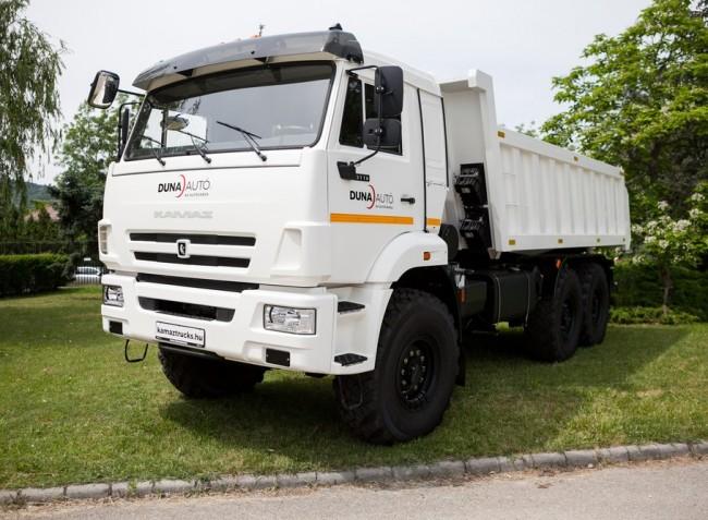Visszatér a megújult Kamaz teherautó Magyarországra