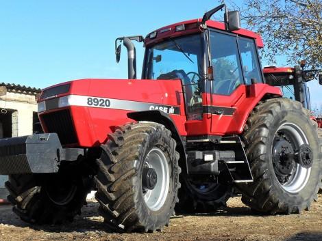 Tovább a nehézuniverzális traktorok vonalán