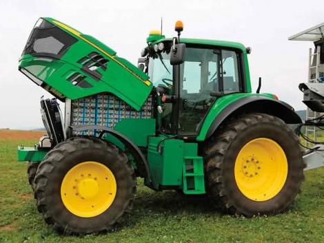 Elektromos John Deere, villám bálacsomagoló és önjáró traktorok