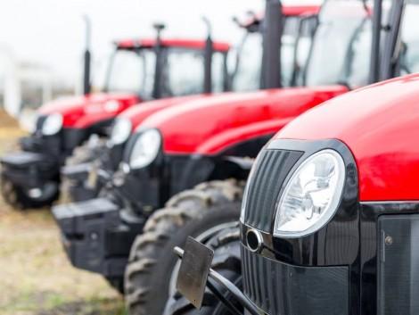 Belarus traktorral csaltak ki egymilliót a hiszékeny áldozatból