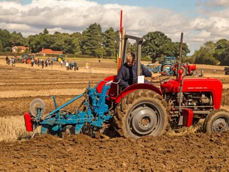 Használt brit traktort mindenkinek!